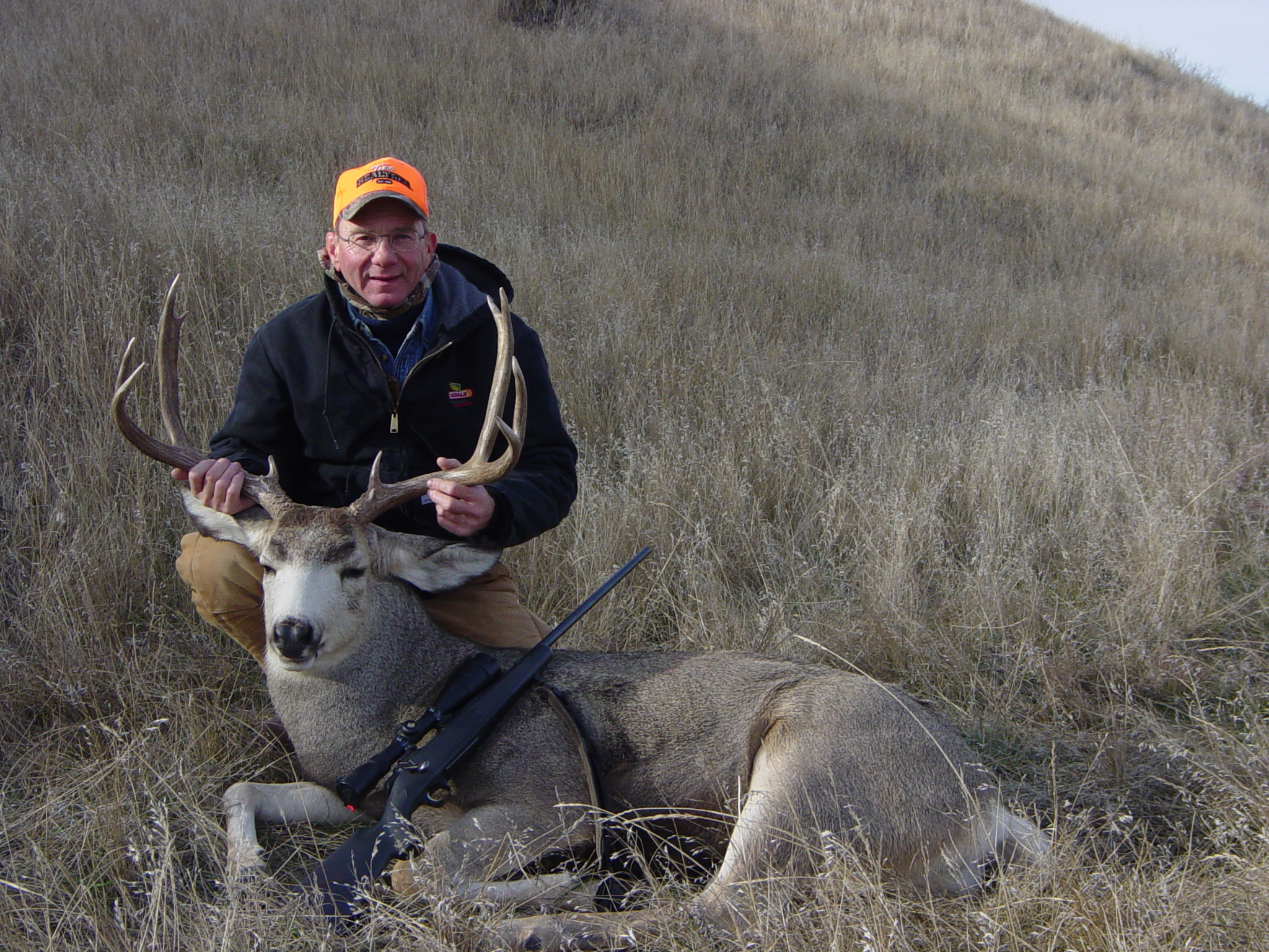 Deer hunting jims 07 west river sd mule deer buck sciox Images